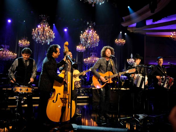 Los Tigres Del Norte Launch New Album Mtv Unplugged Los Tigres
